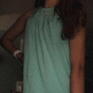 teal tank top with pattern at the top⭐️